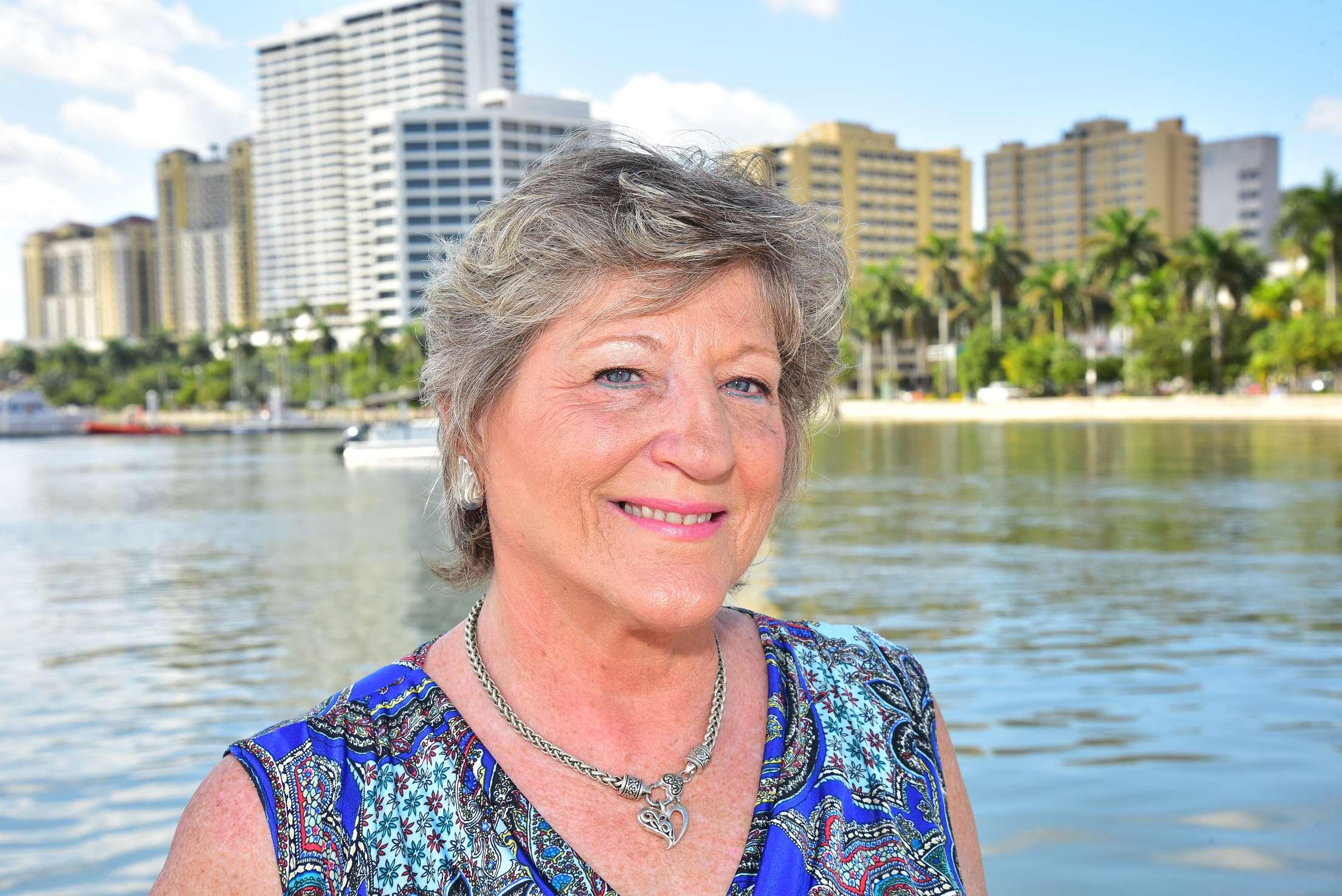 Lisa Samuels